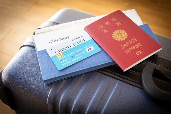 海外旅行で役立つカードの選び方