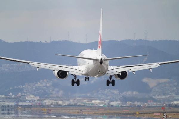 1.JALの飛行機に搭乗してマイルを貯める