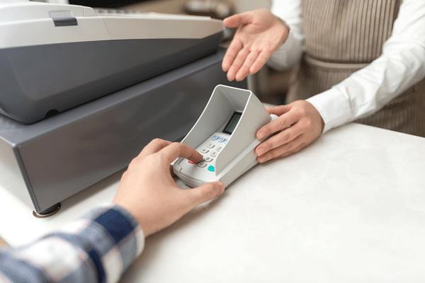 クレジットカード払いのサインと暗証番号のちがい